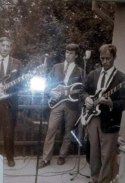 "Vis ""Dioleni"" na Šoštarićevoj Plavoj terasi. S desne strane  Pepek Korunda, brat Jožek u sredini  i pok. Mirko Džon Hajsek. Bubnjar Valek Martinec nekako je ispao uz kadra."