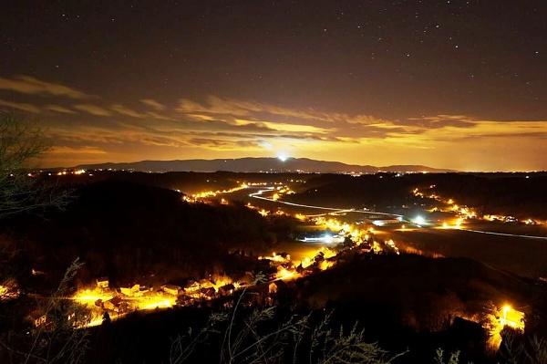 Noćna panorama prema Zagrebu
