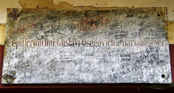 Mramorna ploča, Ožegovićeva grobnica